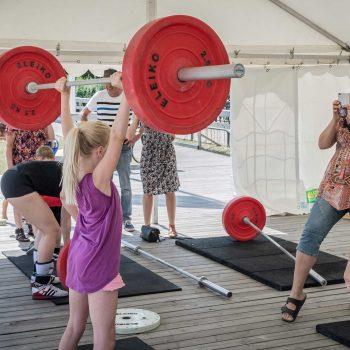10. Olympic Day: Tält uthyrda för tyngdlyftning.