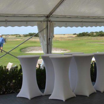 14. Falsterbo Golfklubb: Tält och ståbord med stretchöverdrag uthyres för bl.a. företagsgolf.