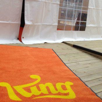 14. King: Tält och allt därtill för personalfest – att hyra.