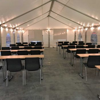 18. JLM Scandinavia: Utbildningsplats med tält, tentabord och stoppade stolar att hyra.