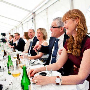 19. Lantmästarförbundet: Företagsfest i hyrda tält med bord, stolar, dukar, porslin m.m.