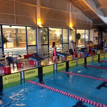 22. Burlövsbadet: Läktare Tip-n-Sit uthyrd för simning.