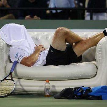 2. Fair Play: Uppblåsbar soffa uthyrd till tennisturnering.