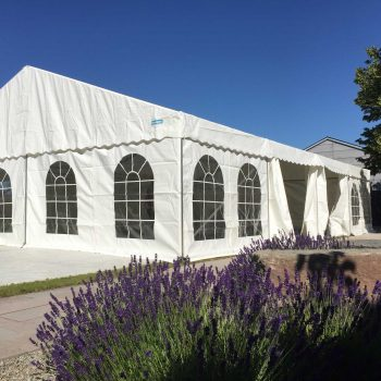 5. Privat: Sommarfest där man hyrde tält och inredning från Evivent.