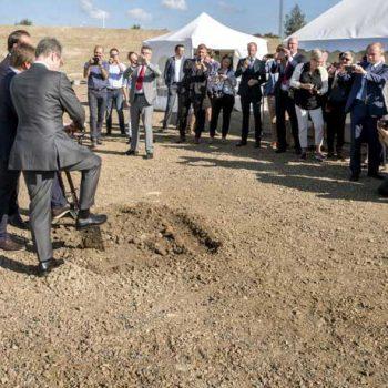 6. BMW: Eventtält för företagsarrangemang.