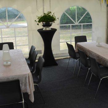 6. Privat: Tält, bord, stolar, ståbord, lampor, matta m.m. uthyres